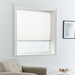 Pleated Blind_Mini Stripe White_Roomset