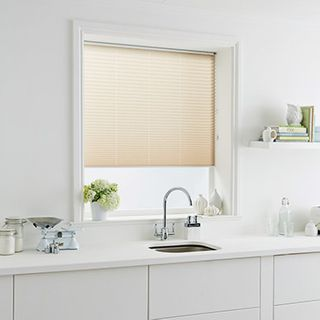 Pleated Blind_Sasso Natural_Roomset