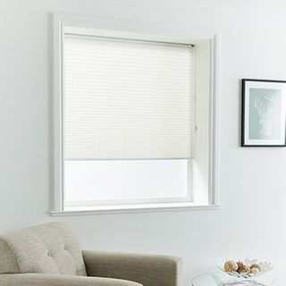 Pleated Blind_Stratford White_Roomset