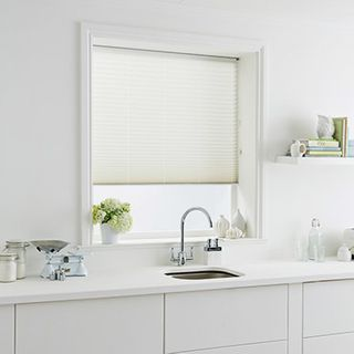 Pleated Blind_Tocarra Ivory_Roomset