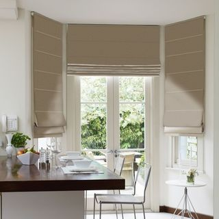 Roman Blind_Roche Pewter_Roomset