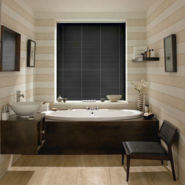 Venetian Blind_Portfolio Black Gloss_Roomset