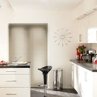 Venetian Blind_Sheer Luxury Fruitwood_Roomset