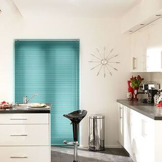 Venetian Blind_Special Finish Everglades_Roomset
