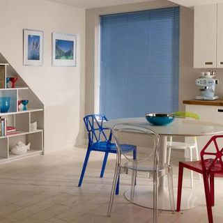 Venetian Blind_Special Finish Sparkle Blue_Roomset