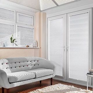 Venetian Blind_Spectrum Oyster White_Roomset