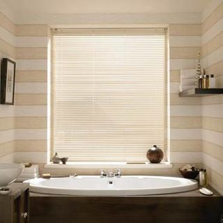 Venetian Blind_Studio Chalk White_Roomset