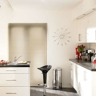 Venetian Blind_Studio Hessian_Roomset