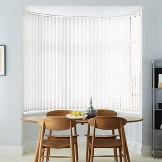 Vertical Blind_Mimmi Ivory_Roomset