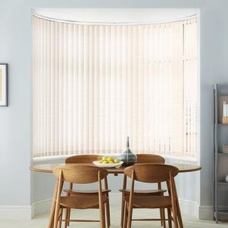 Vertical Blind_Mimmi Natural_Roomset