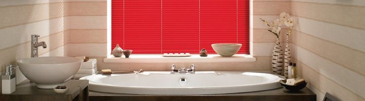 Red-venetian---bathroom---studio brick