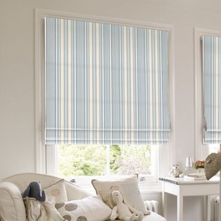 Roman Blind_Hatti Chambray_Roomset
