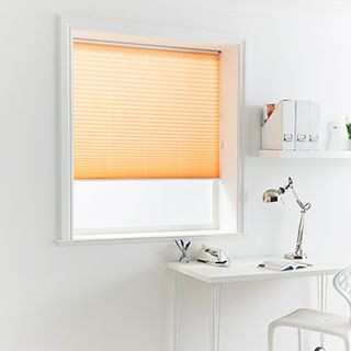 Pleated Blind_Crush Nectarine_Roomset