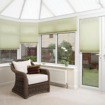 Pleated side blind_Crush Jade_with_Crush Ice_Pleated roof blind_Conservatory