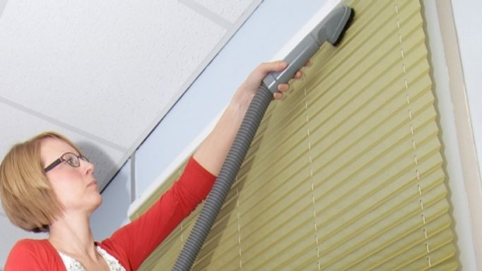 Cleaning conservatory blinds