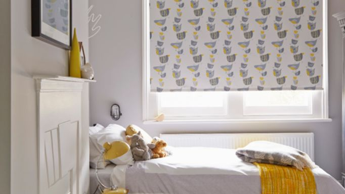 Bird Patterned Roller blind in Guest bedroom