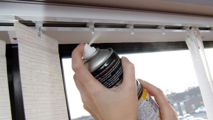 Use silicone spray to clean headrail