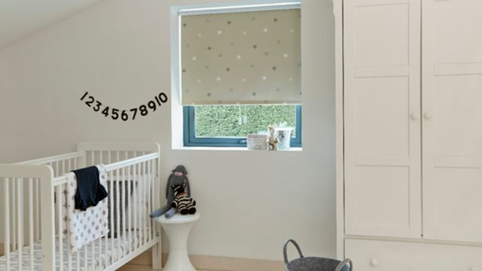 Twinkle stars Roller blind in children's room