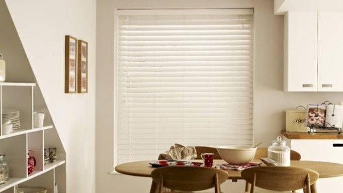 white venetian blind in dining room