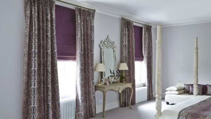 baroque-mulberry-curtains-and-opulence-amethyst-roman-blinds-in-bedroom