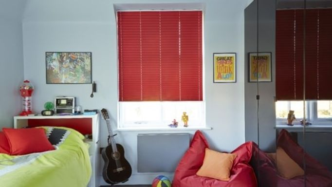 Lanbury-Red-Pleated-blind