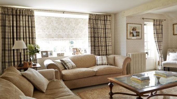 Wollaton Natural Curtains and Leyla Praline Roman blind