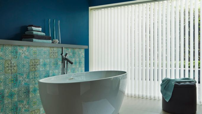 alma-white-vertical-blind-bathroom