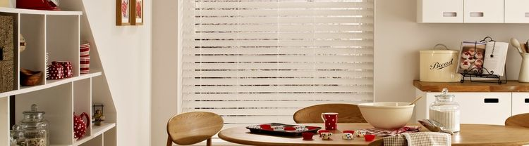 wooden-blind-venetian-kitchen