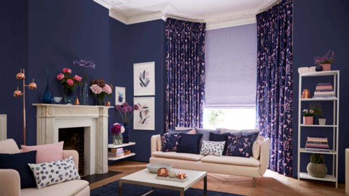 Charlotte-Beevor-Indigo-Garden-Sorana-Indigo-curtains-with-Radiance-Lavender-Roman-blind-living-room