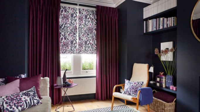 Charlotte-Beevor-Indigo-Garden-Radiance-Berry-curtains-with-Sorana-Violet-Roman-blinds-living-room