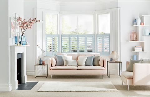 Living room bay windows