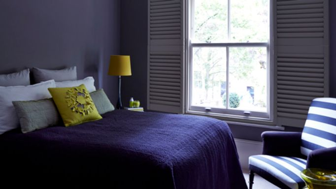 Painted-tier-on-tier-shutters-bedroom