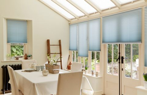 Sasso-Aqua-Pleated-side-blind-with-Grenoble-Cream-Pleated-roof-blind-conservatory
