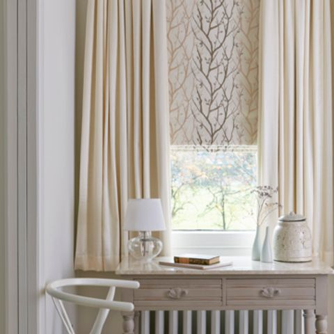 Chester-Cotton-curtains-with-Pyrus-Cream-Roman-blind