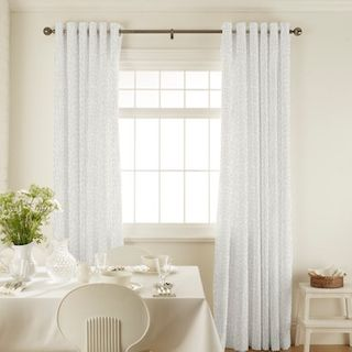 Curtain_Daze Ivory_Roomset