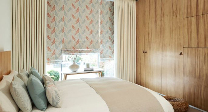 Zen-collection-Tranquility-Roman-blind-with-Tetbury-Ivory-curtains -