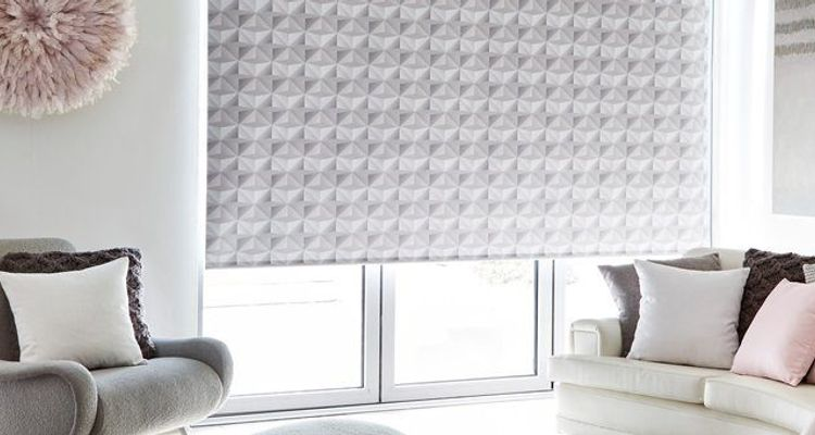 ROLLER BLINDS - GREY-ROLLER---LIVING-ROOM---TRANSFORMATIONS-OPTICAL-GREY