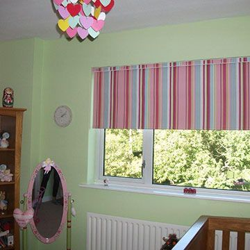 Tina's-bedroom-circus-hot-pink-roller-blind