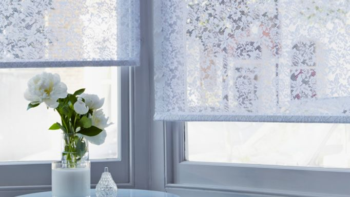 Eltringham-White-Roller-blind-in-bay-window