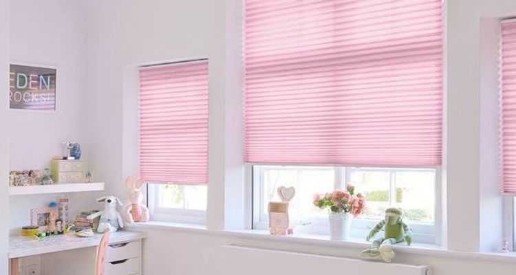 Acacia Mallow Pleated blind-bedroom