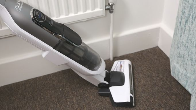 carpet-guides-and-advice-vacuuming2