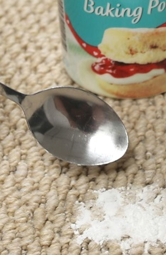 carpet-guides-and-advice-baking-powder-close-up