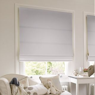 Roman Blind_Islita Ice White_Roomset