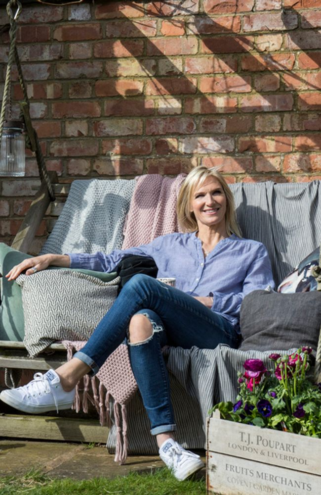 Jo-Whiley-collaboration-outdoor-cameo