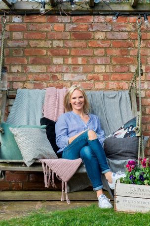Jo-Whiley-collaboration-outdoor-cameo-garden-swing