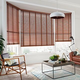 Wooden Blinds_Wood Illusions Nutmeg_Roomset