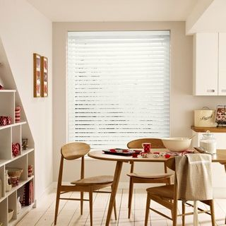 Wooden Blinds_Haywood Silk White_Roomset