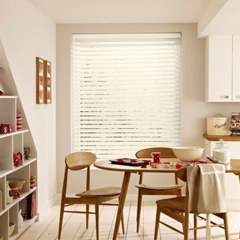 Wooden Blinds_Haywood Vanilla White_Roomset