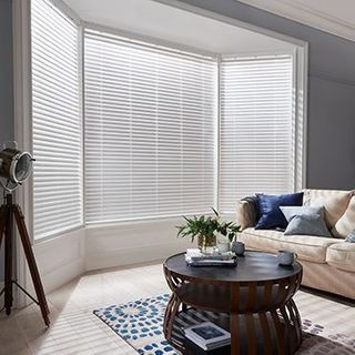 Wooden Blinds_Wood Illusions Platinum White_Roomset