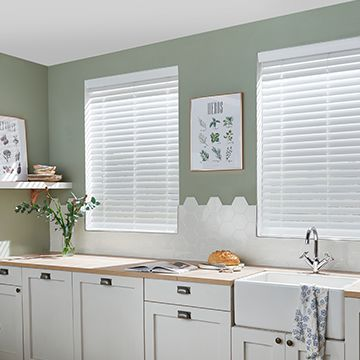 White fauxwood blind_kitchen_Fine white